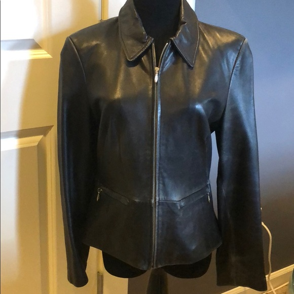 Banana Republic Jackets & Blazers - Banana Republic vintage leather jacket. SZ Small.